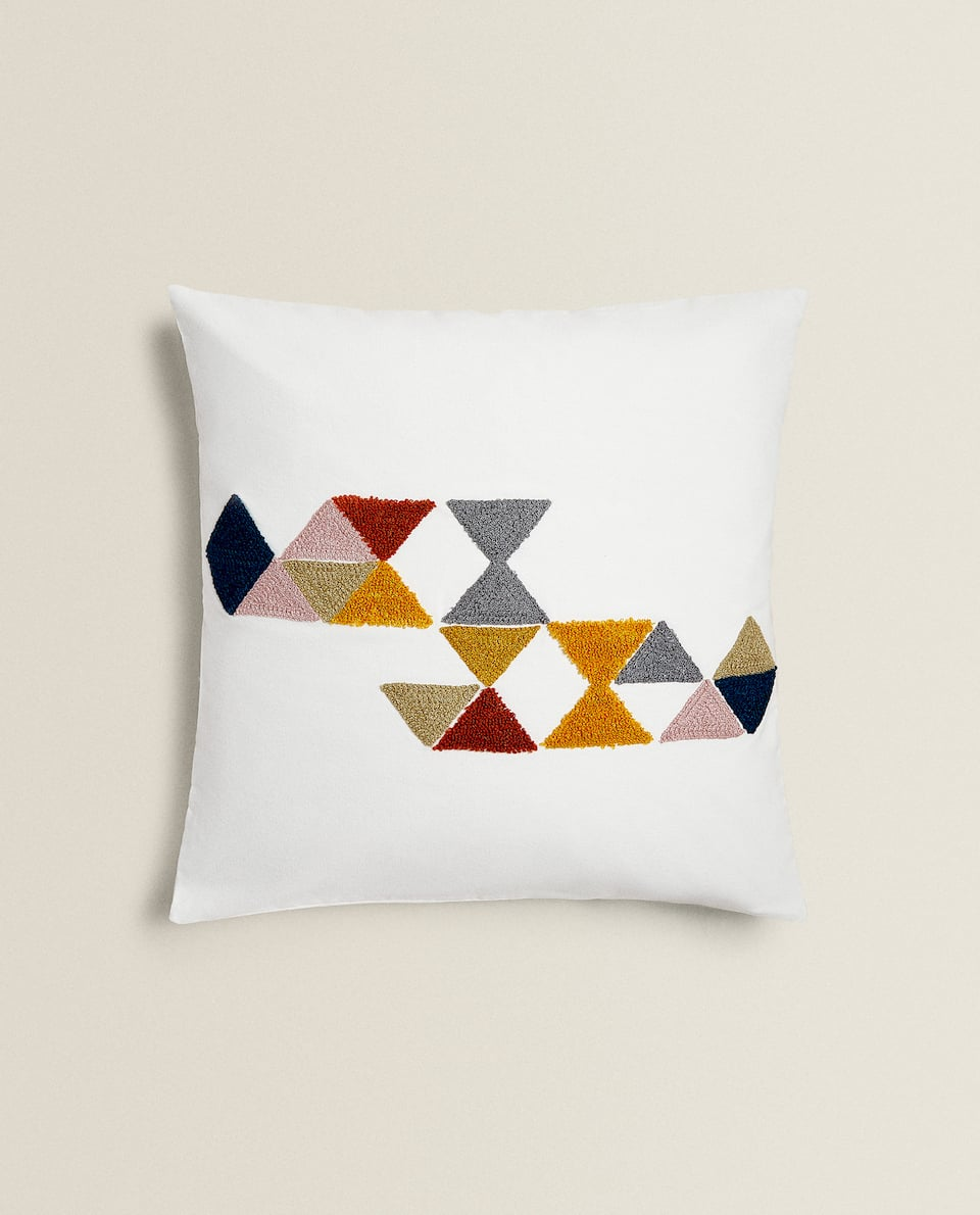 HOUSSE DE COUSSIN BRODERIE TRIANGLES