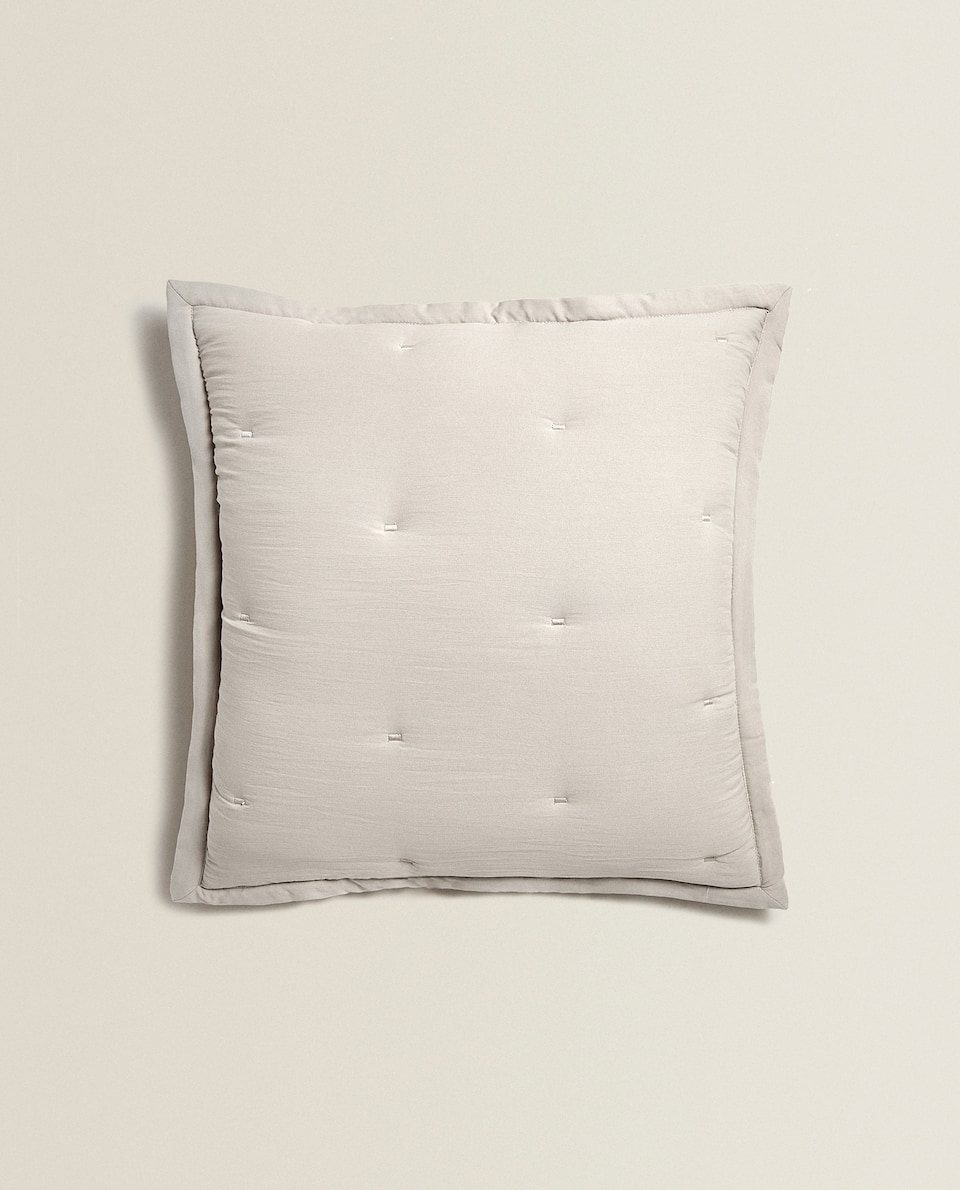 EMBROIDERED QUILTED CUSHION COVER
