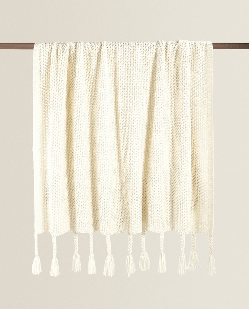 BRAIDED FRINGING BLANKET
