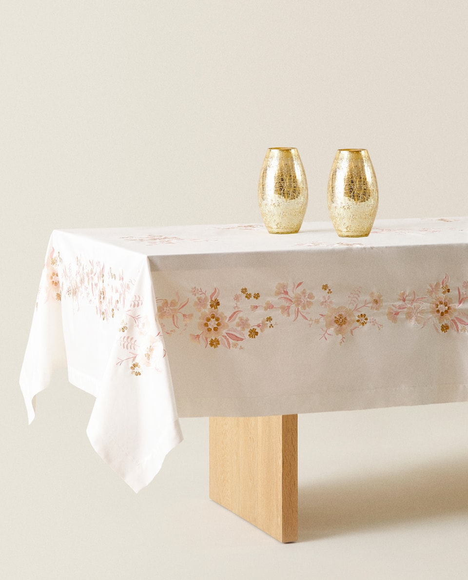 FLORAL COTTON TABLECLOTH
