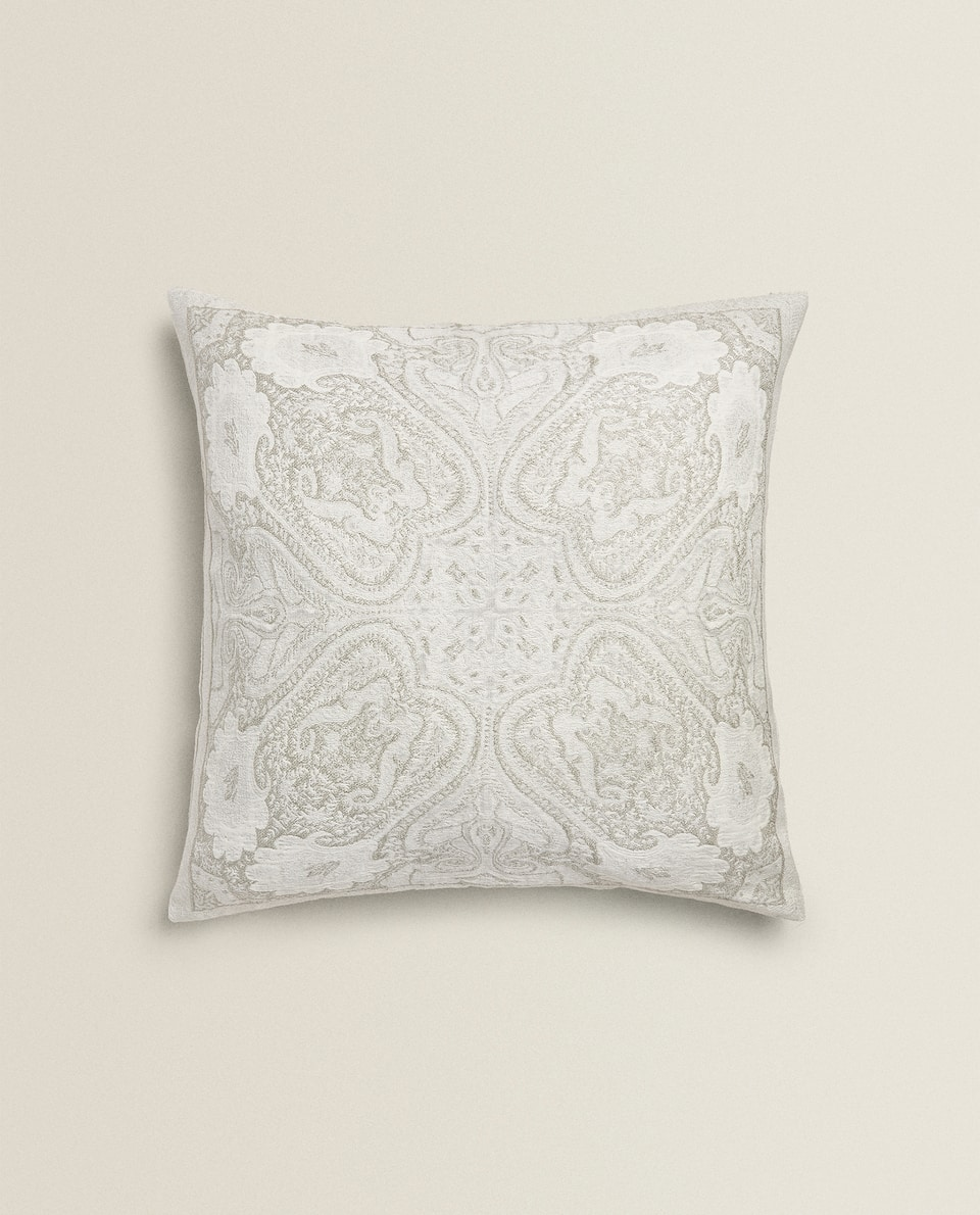 SHINY PAISLEY CUSHION COVER