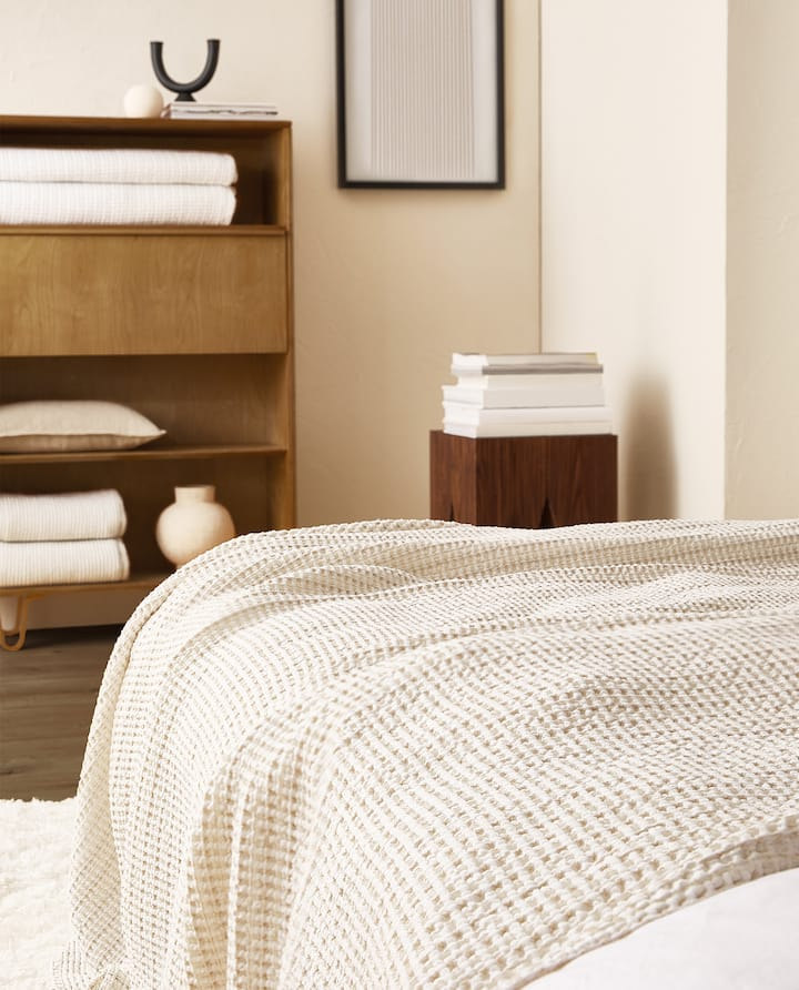 Bedspreads.Bedspreads Zara Home New Collection