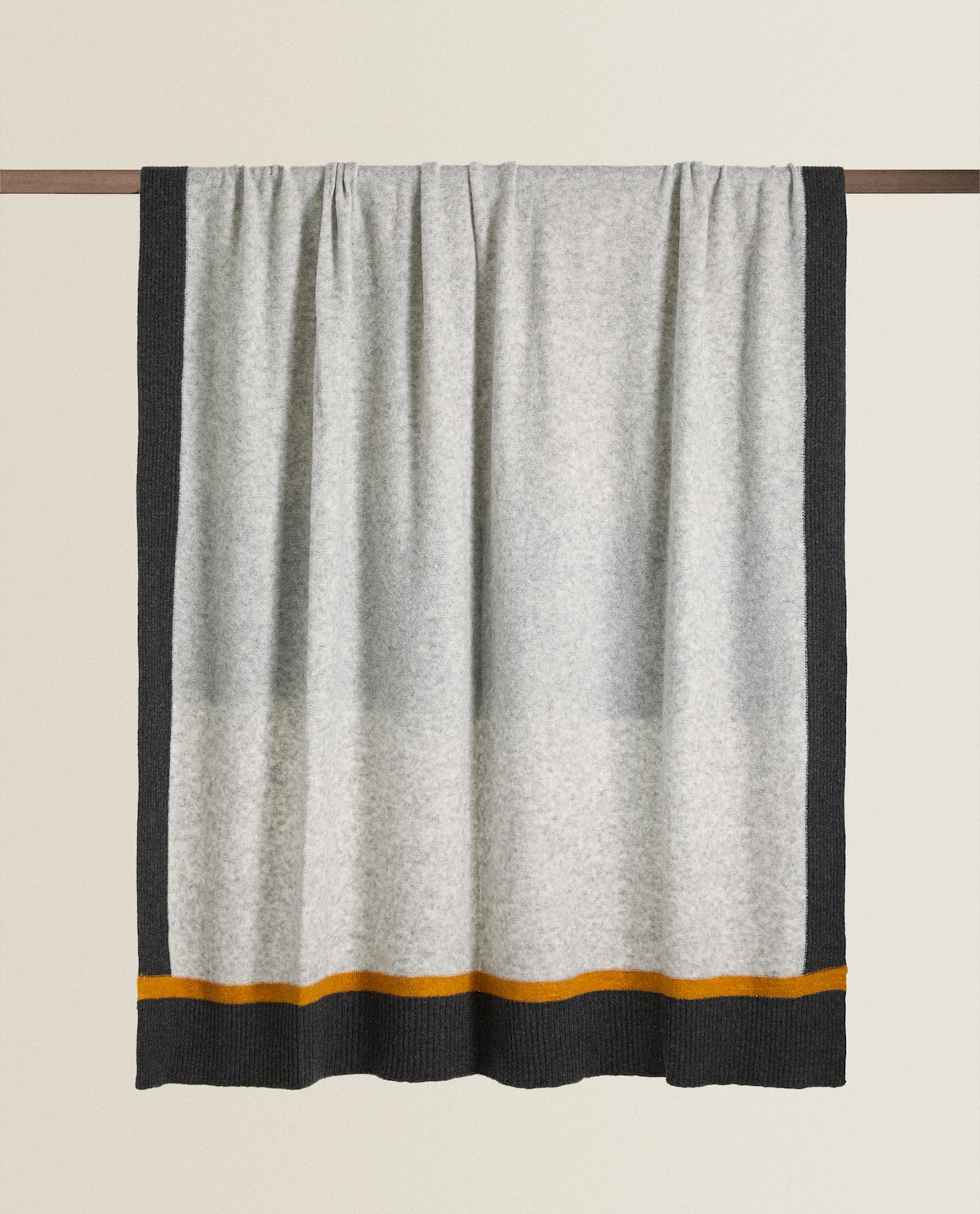 contrast-square-blanket--blankets---living-room by zara-home