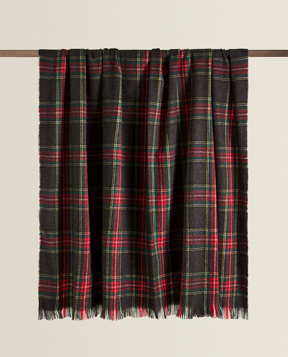 CHECK BLANKET WITH FRINGING