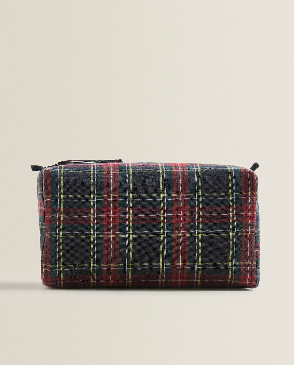 CHECK FLANNEL TOILETRY BAG