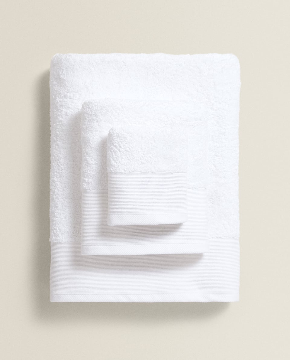 TOWEL WITH LINED BAND