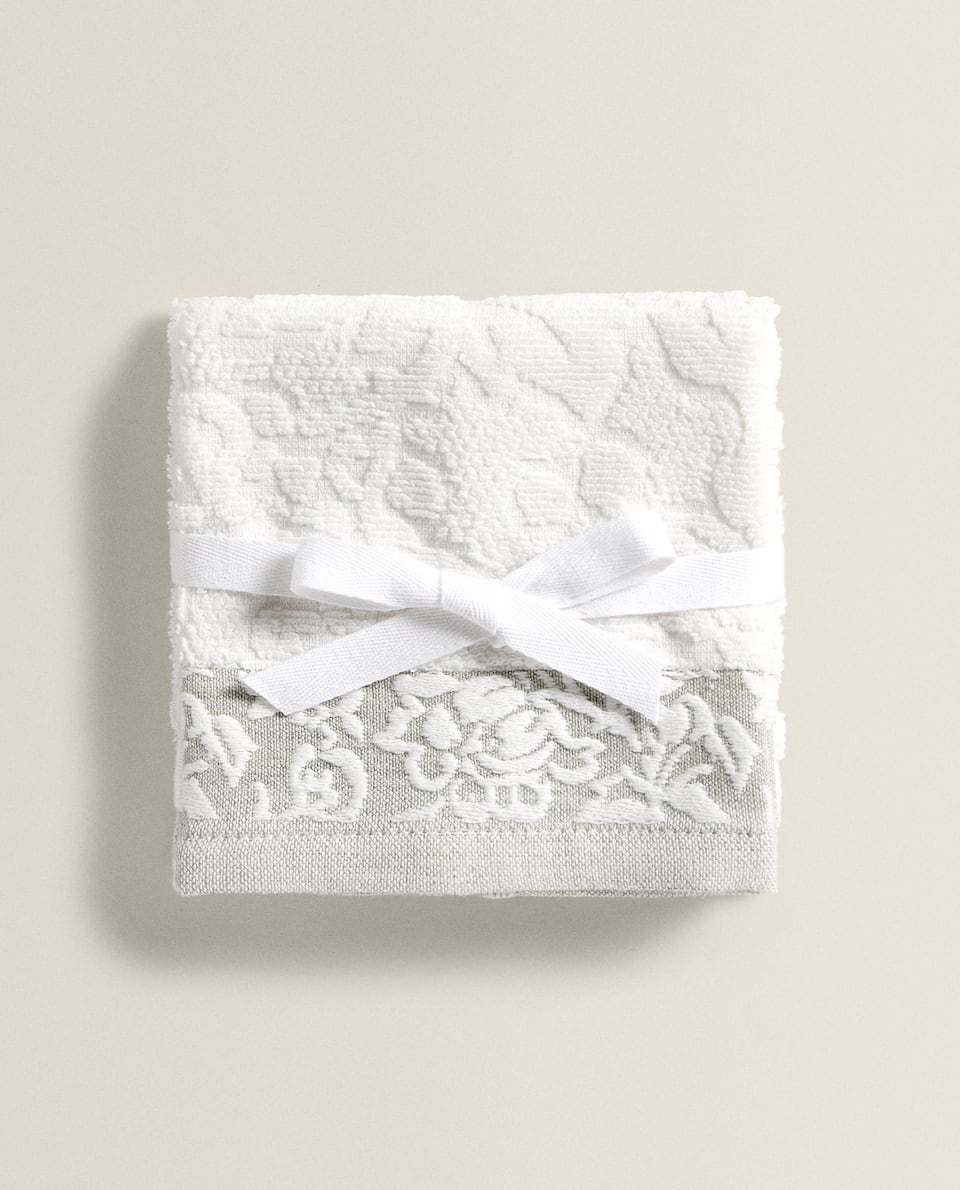 FLORAL JACQUARD TOWEL (PACK OF 3)
