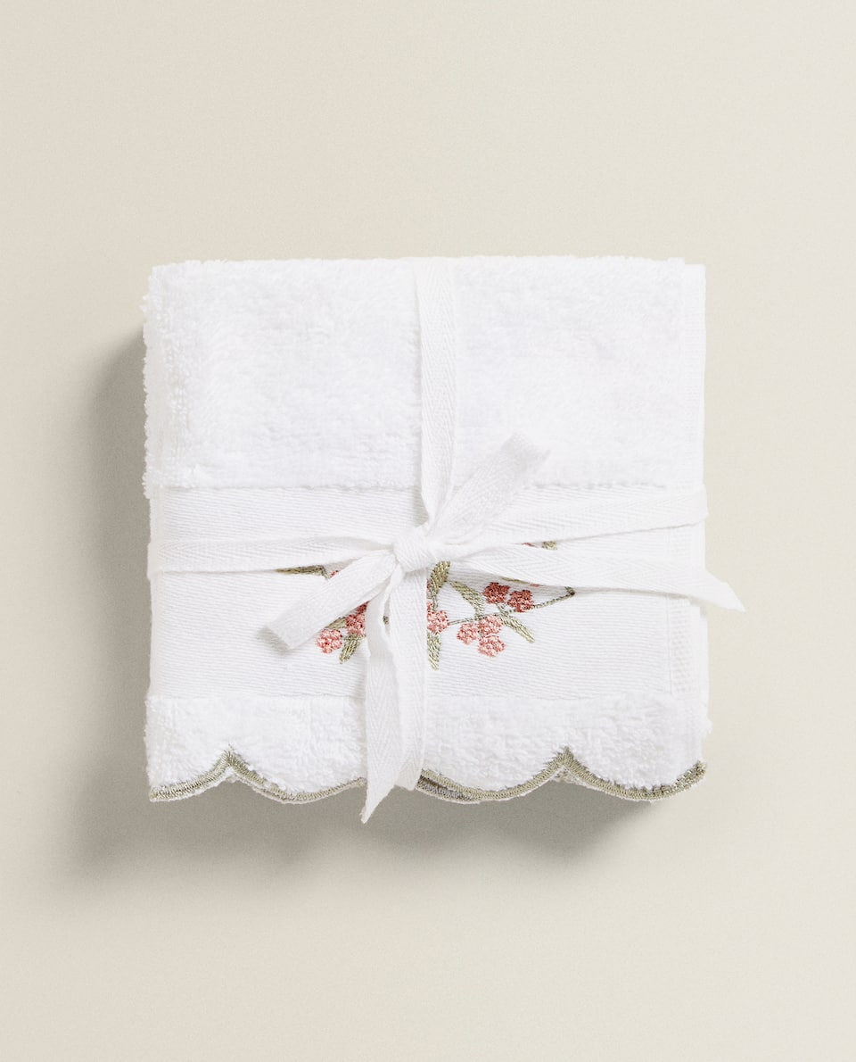 TOWEL WITH FLORAL EMBROIDERY (PACK OF 3)