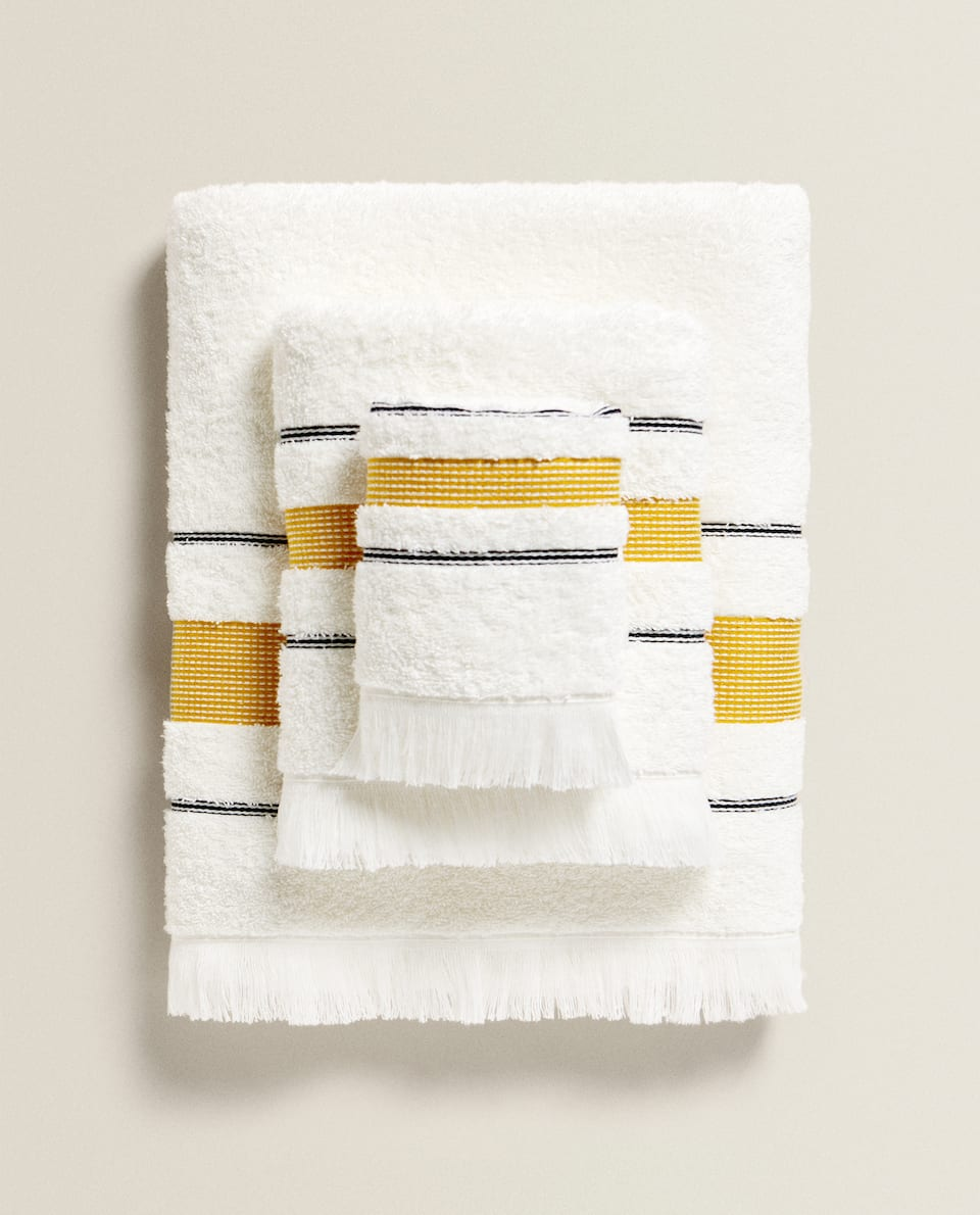 FRINGED BORDER TOWEL