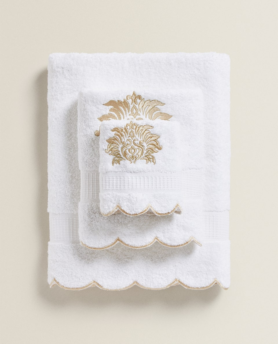 TOWEL WITH GOLD EMBROIDERY