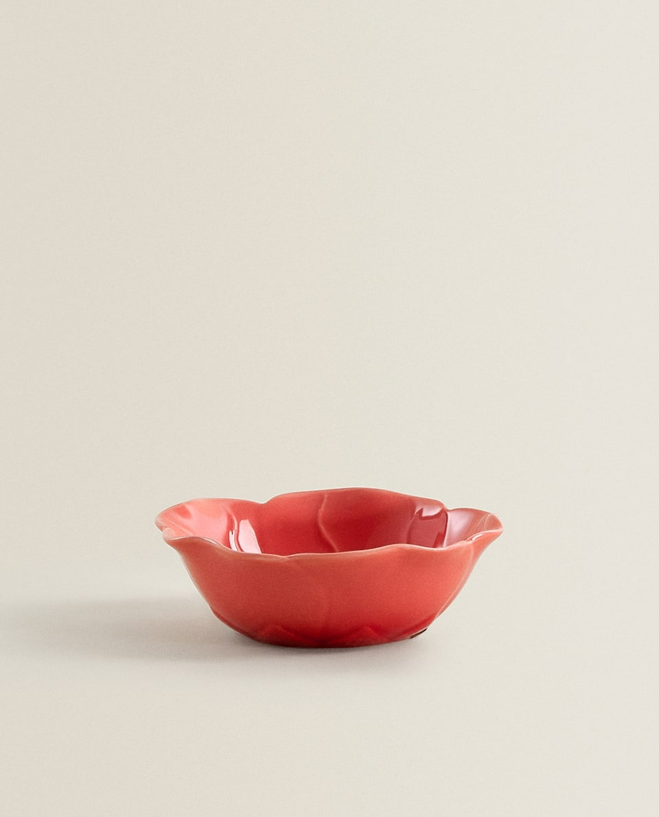 FLOWER-SHAPED BOWL