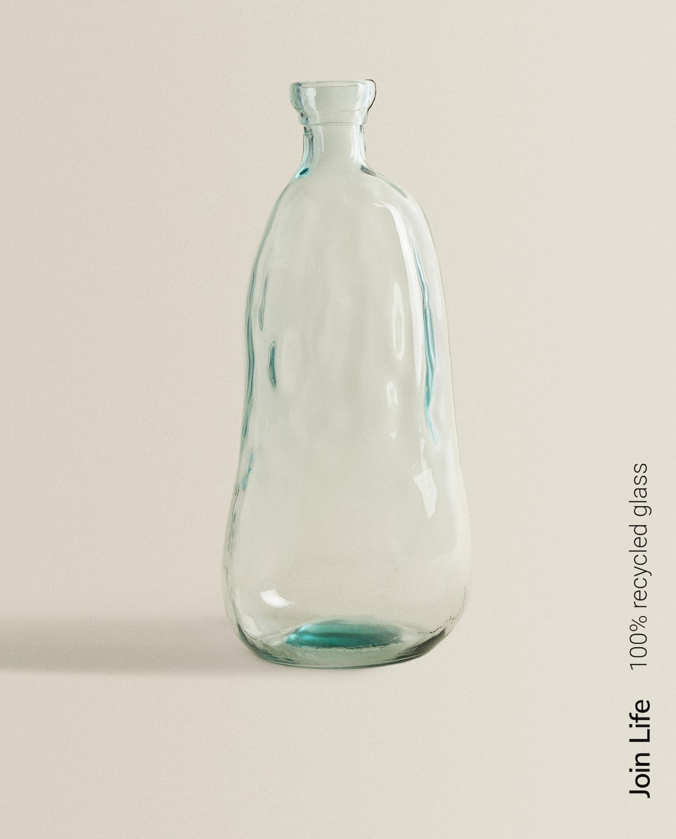 RAW-SHAPED 100% RECYCLED GLASS BOTTLE