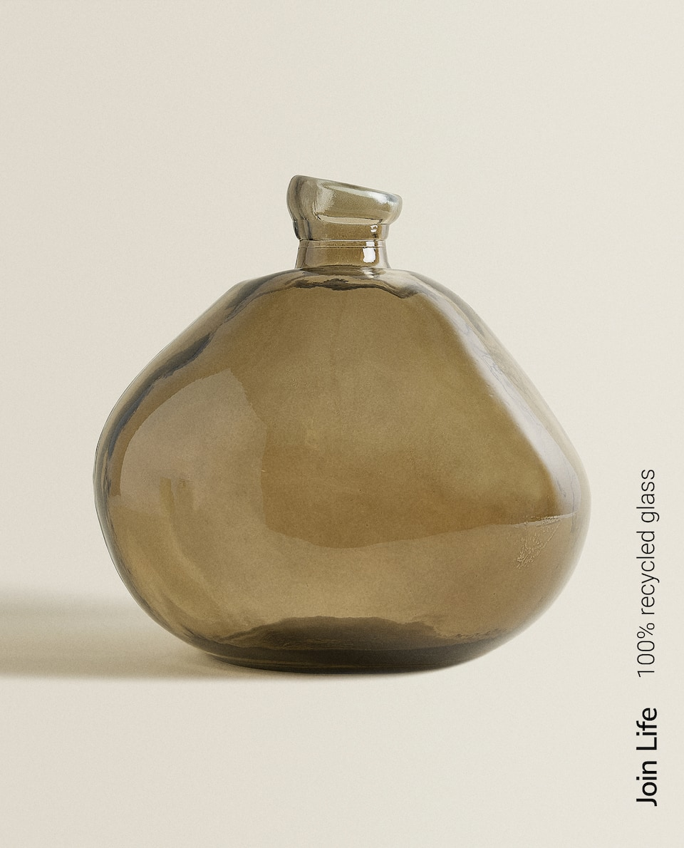 GREY RAW-SHAPED 100% RECYCLED GLASS BOTTLE