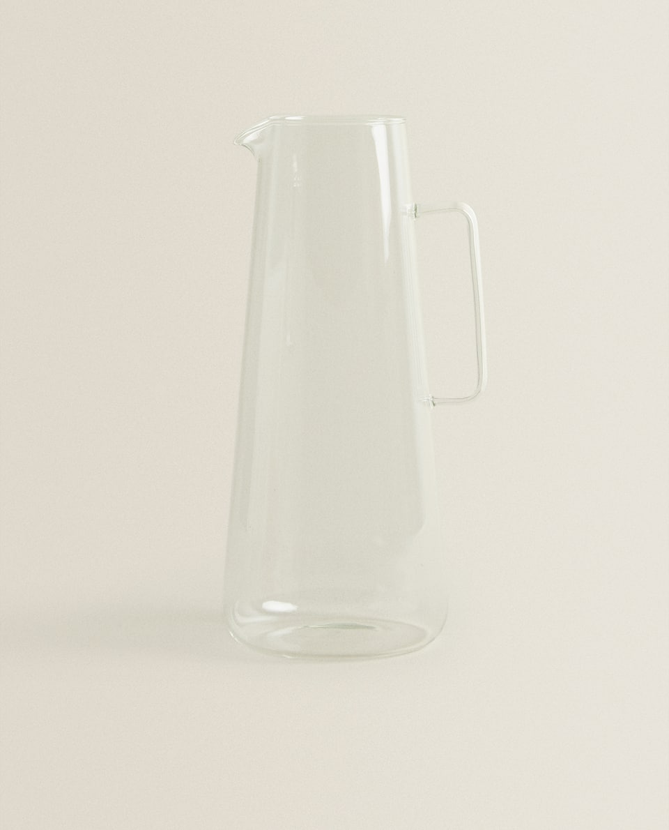 CLEAR BOROSILICATE GLASS JUG