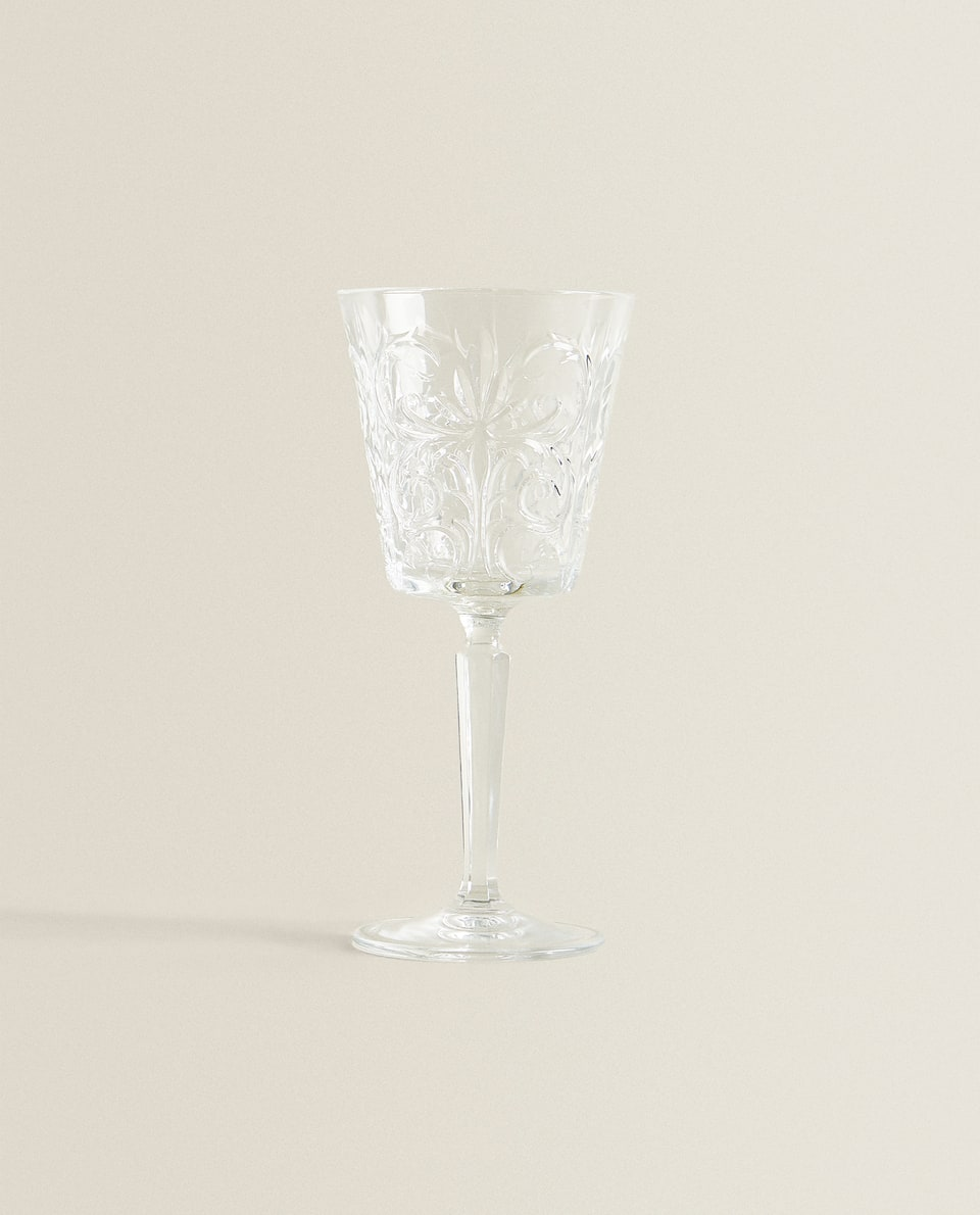 ENGRAVED FLOWER WINE GLASS