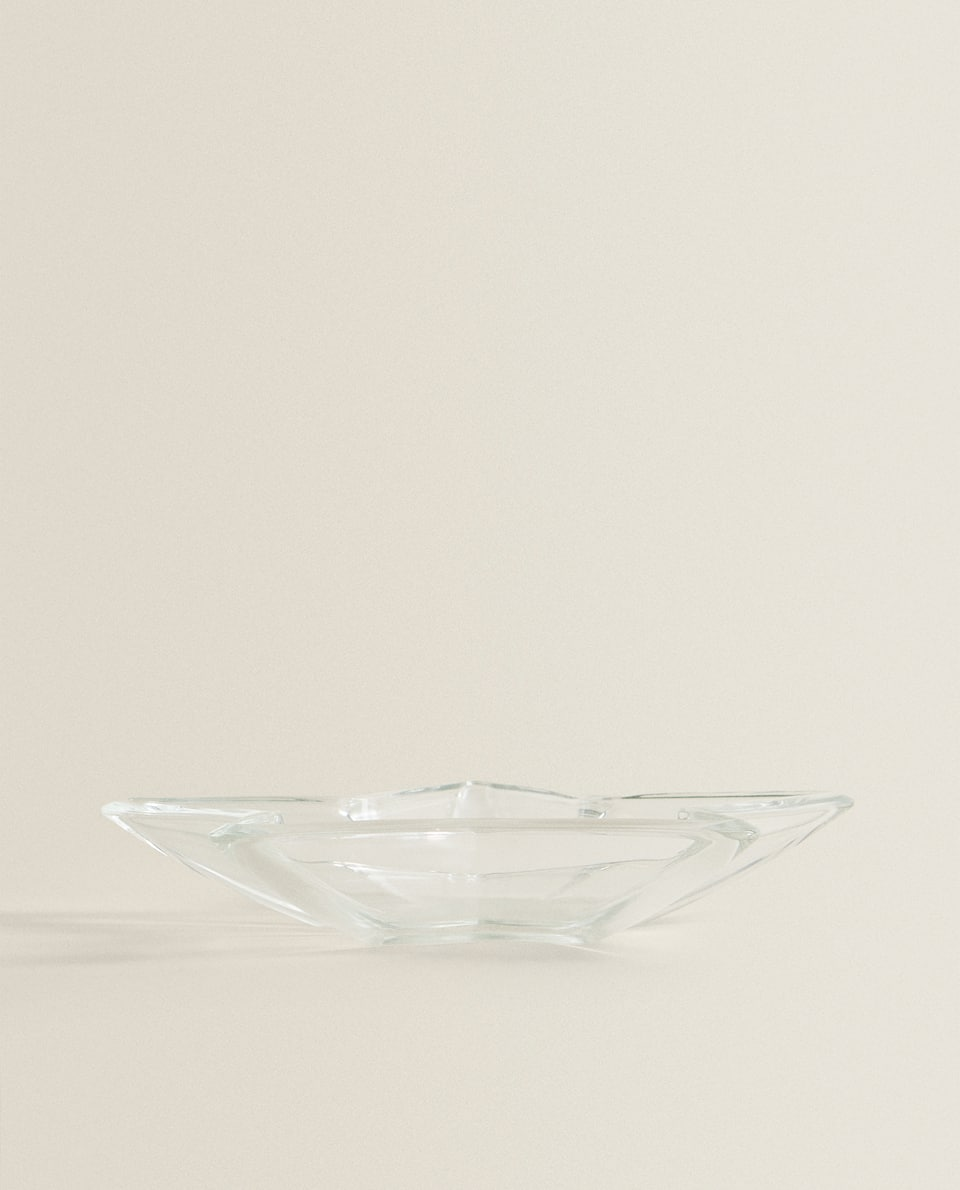 STAR-SHAPED GLASS SERVING DISH