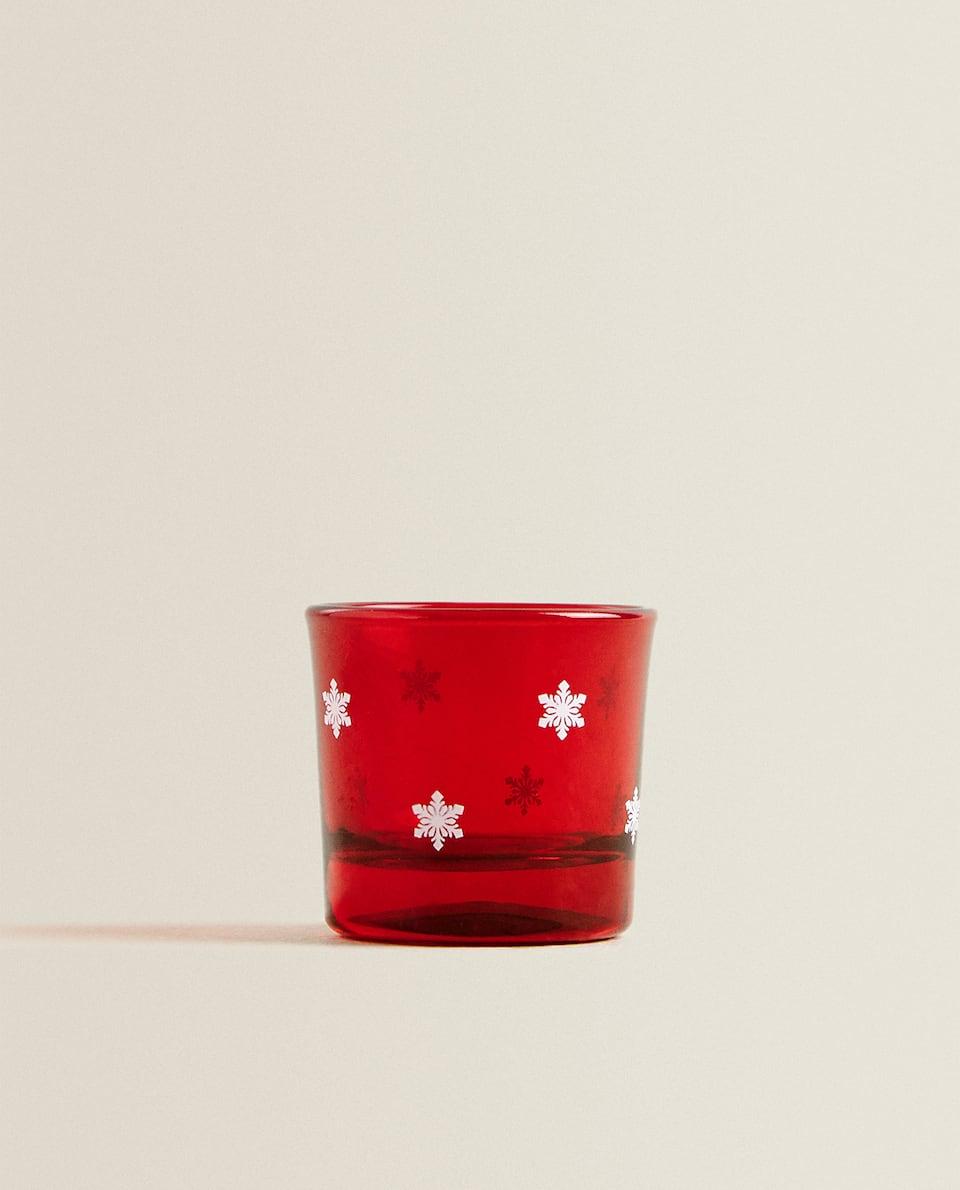 كأس صغير أحمر ندفة الثلج