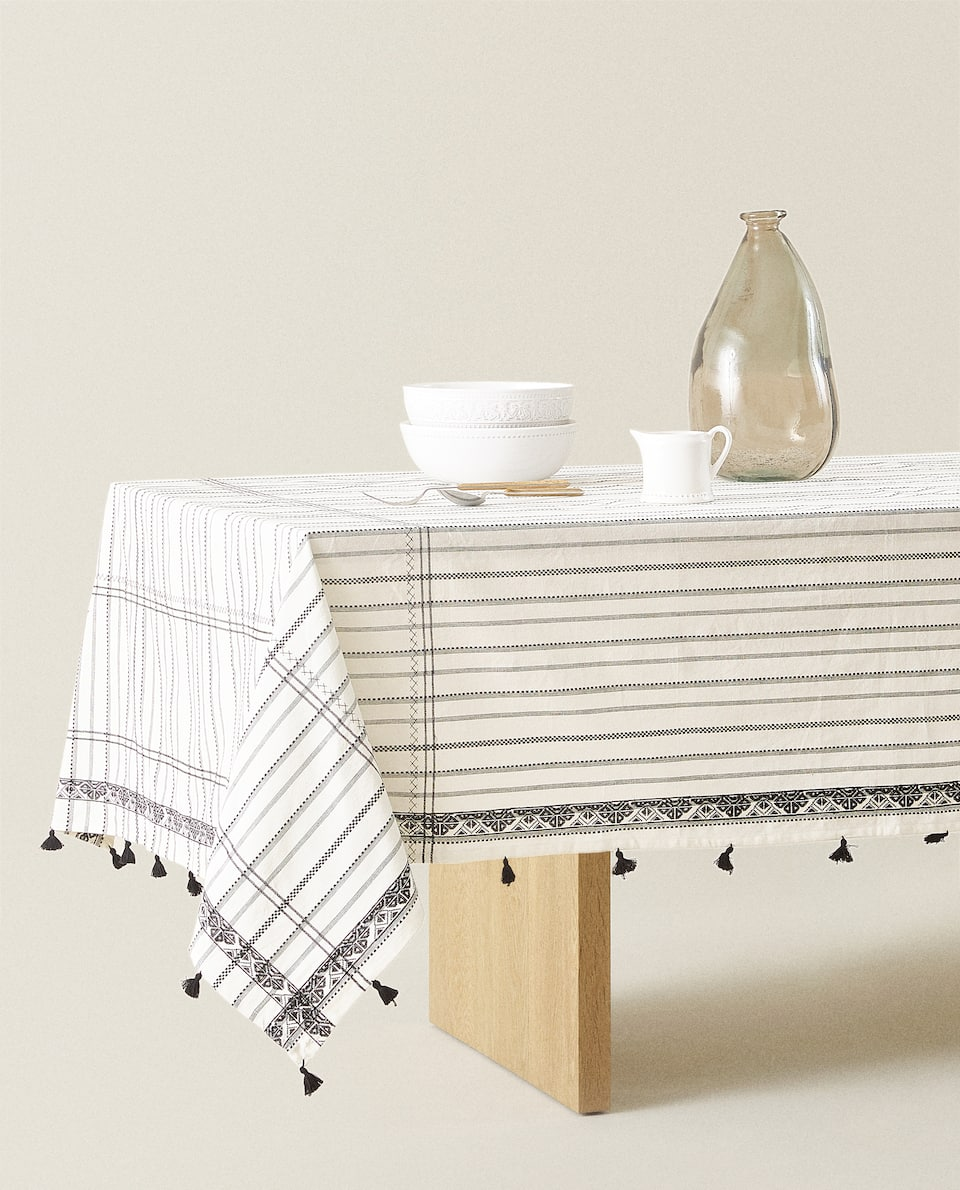 EMBROIDERED COTTON TABLECLOTH WITH TASSELS