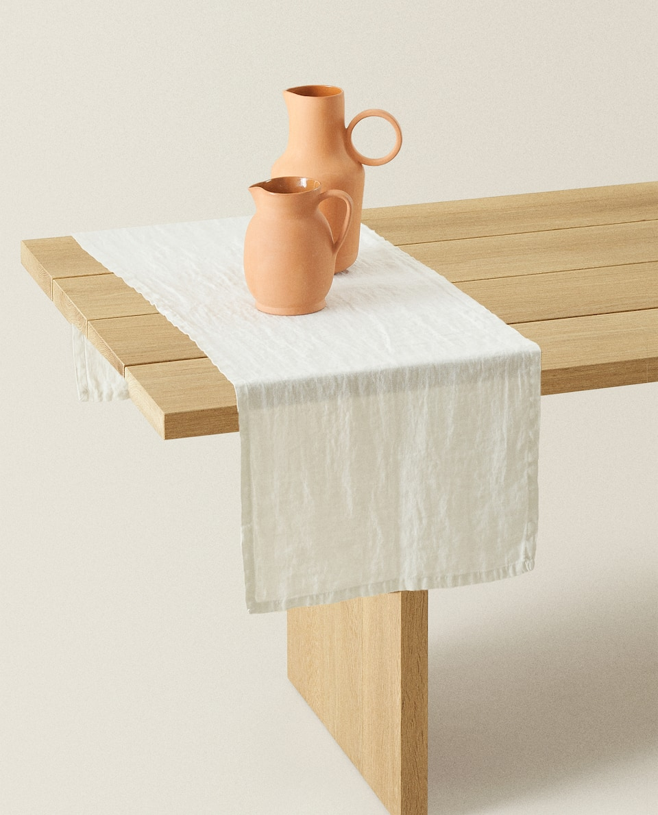 WASHED LINEN TABLE RUNNER