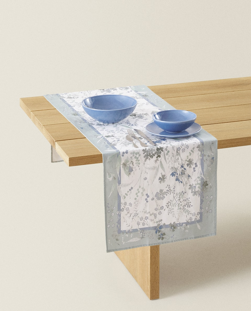 FLORAL PRINT COTTON TABLE RUNNER