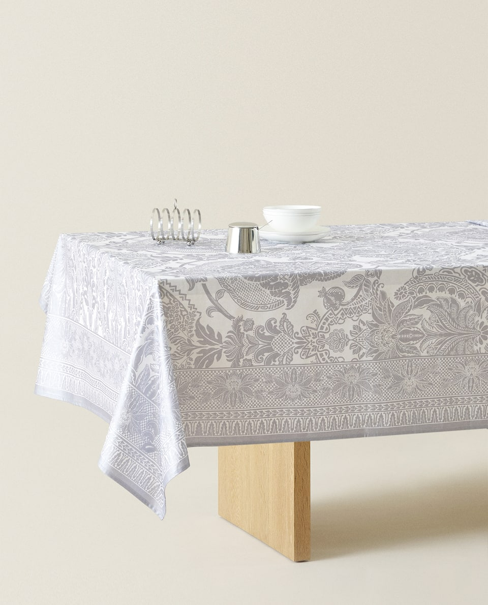 METALLIC DAMASK COTTON TABLECLOTH