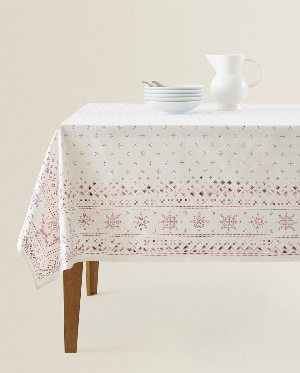 SNOWFLAKE PRINT TABLECLOTH