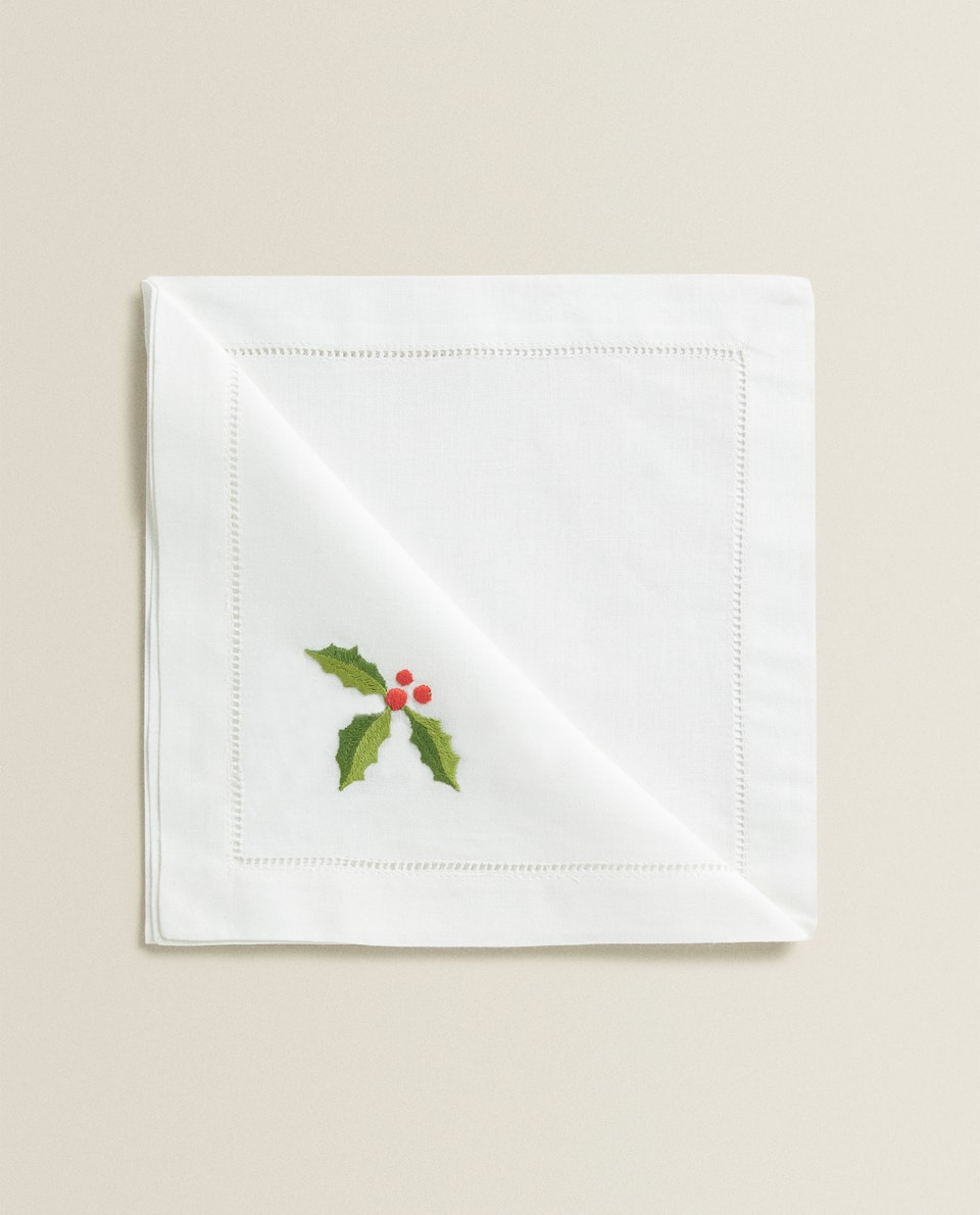 EMBROIDERED HOLLY NAPKINS (PACK OF 2)