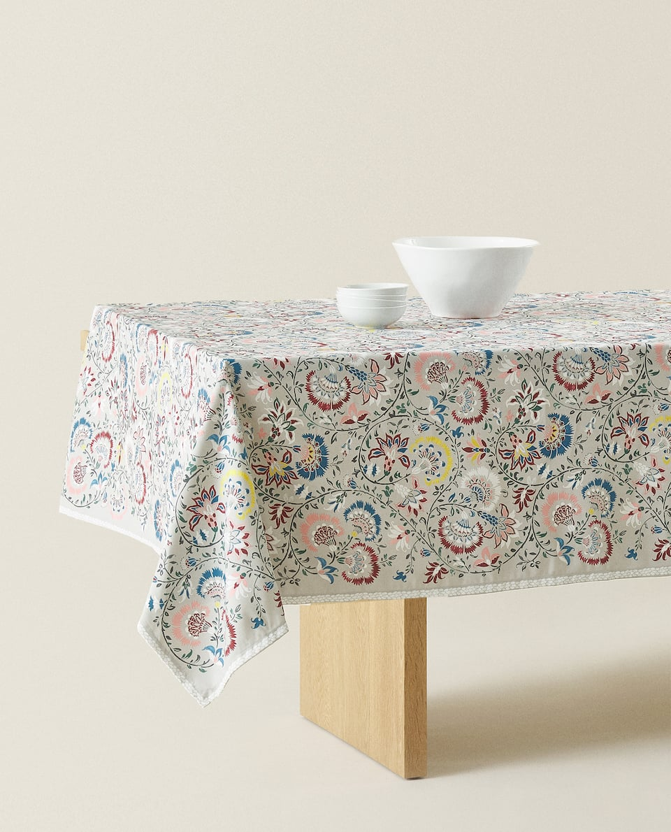 PAISLEY FLORAL PRINT TABLECLOTH