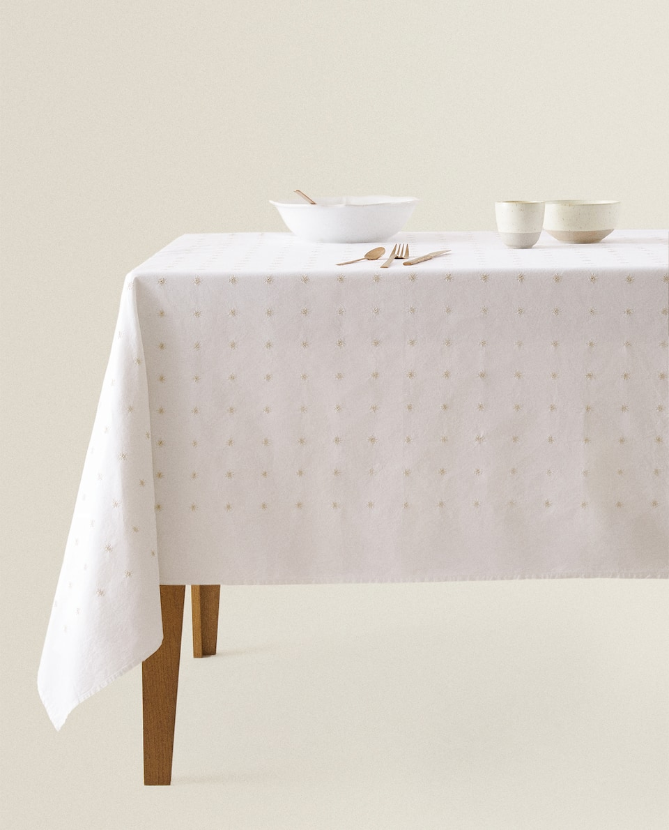 EMBROIDERED STAR TABLECLOTH