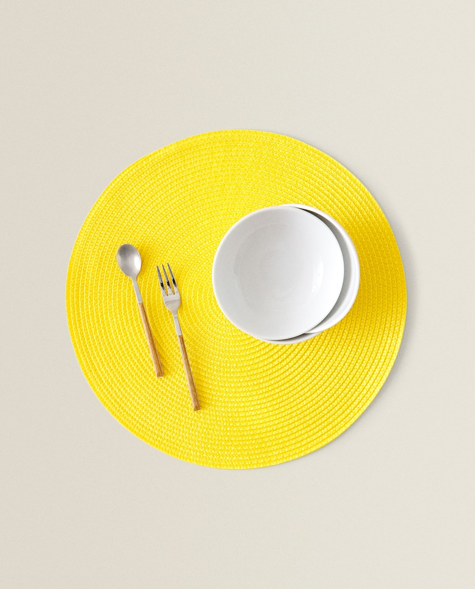 ROUND PLASTIC PLACEMAT (PACK OF 2)
