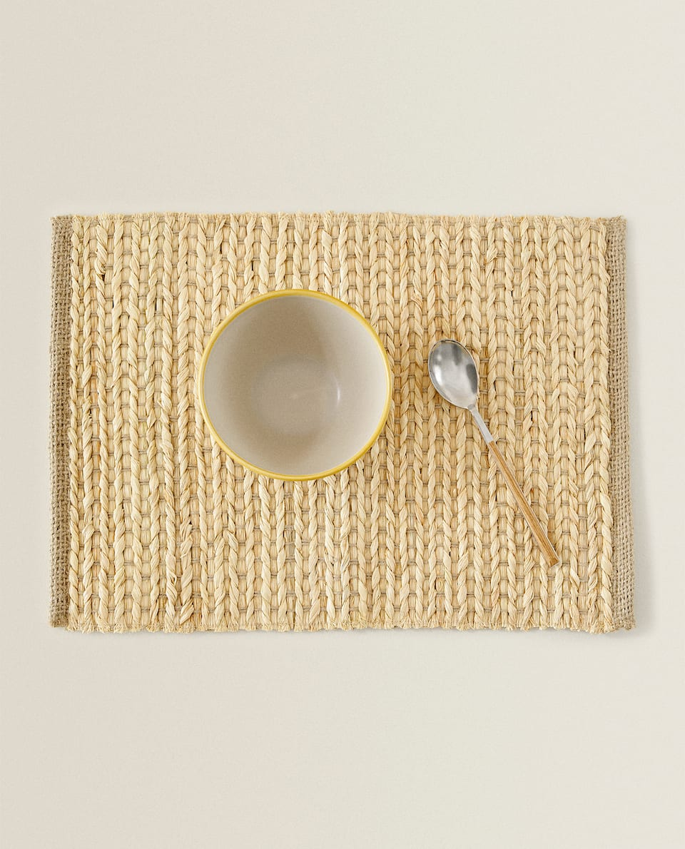 JUTE AND RAFFIA PLACEMAT