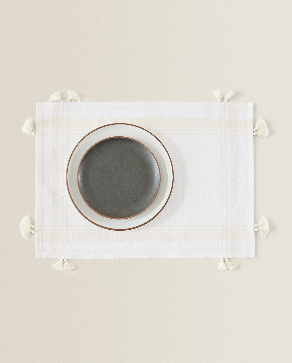 COTTON PLACEMAT WITH TASSELS
