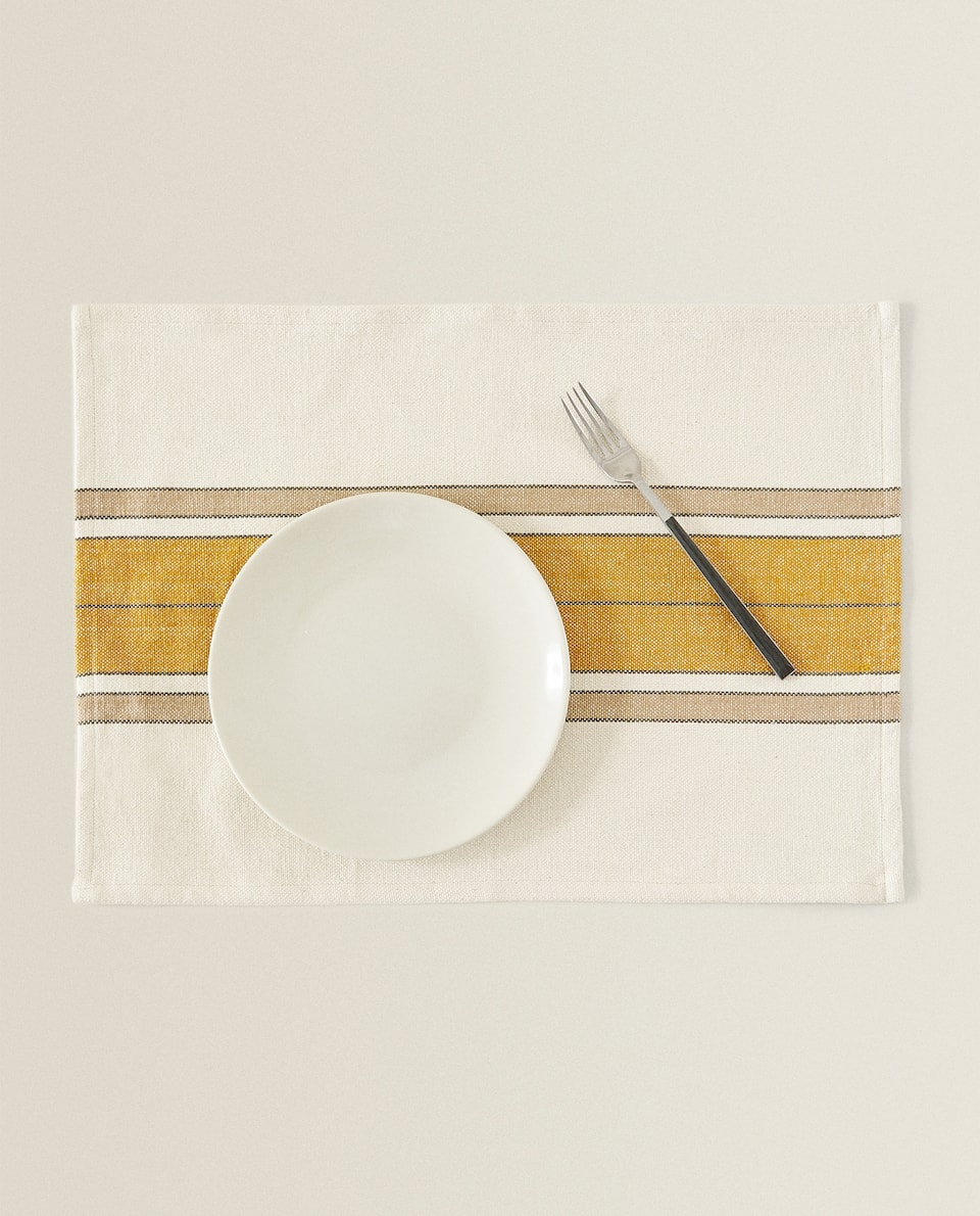 COTTON PLACEMAT WITH CENTRE STRIPES