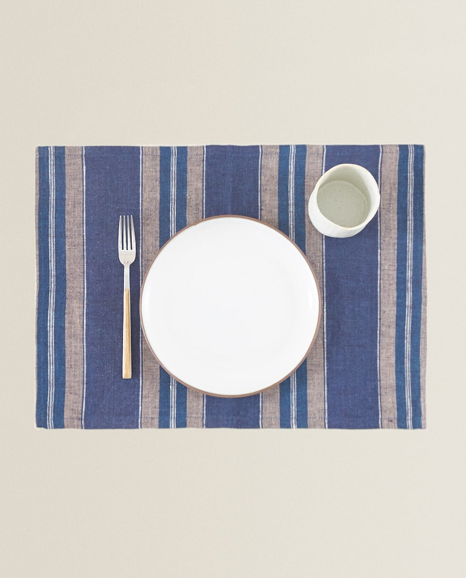 LINEN PLACEMAT WITH UNEVEN STRIPES