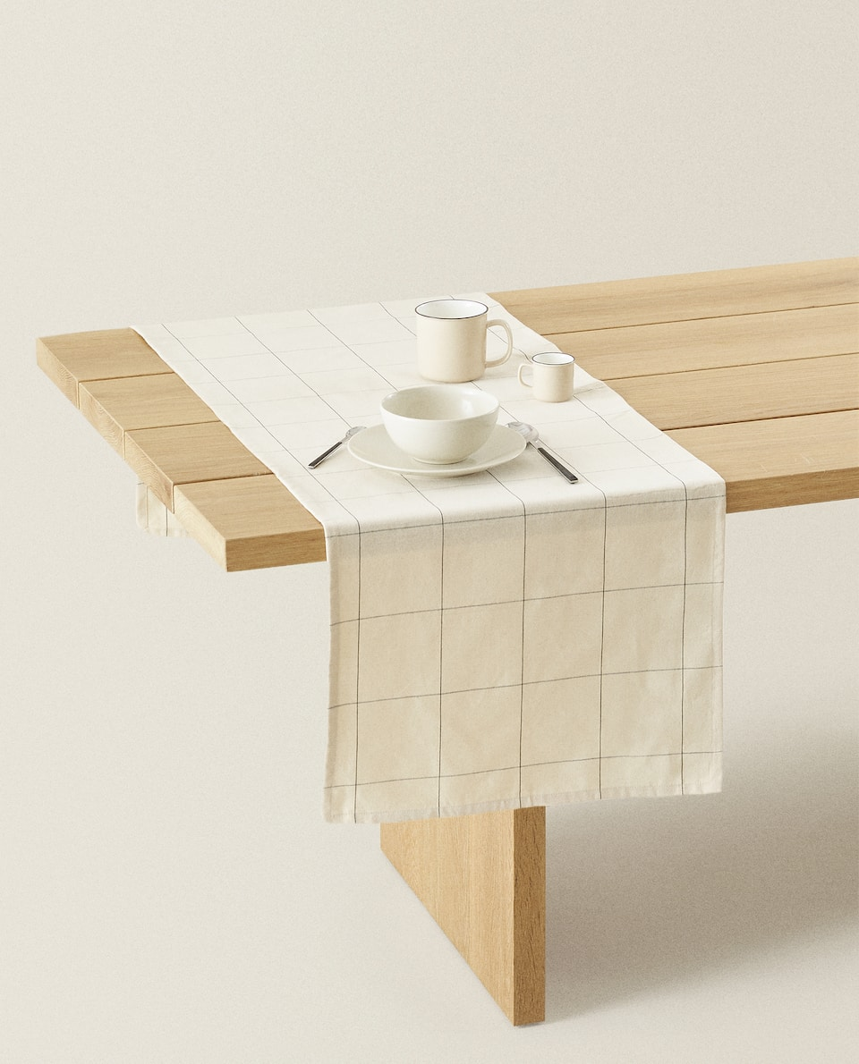 CHECKED COTTON TABLE RUNNER