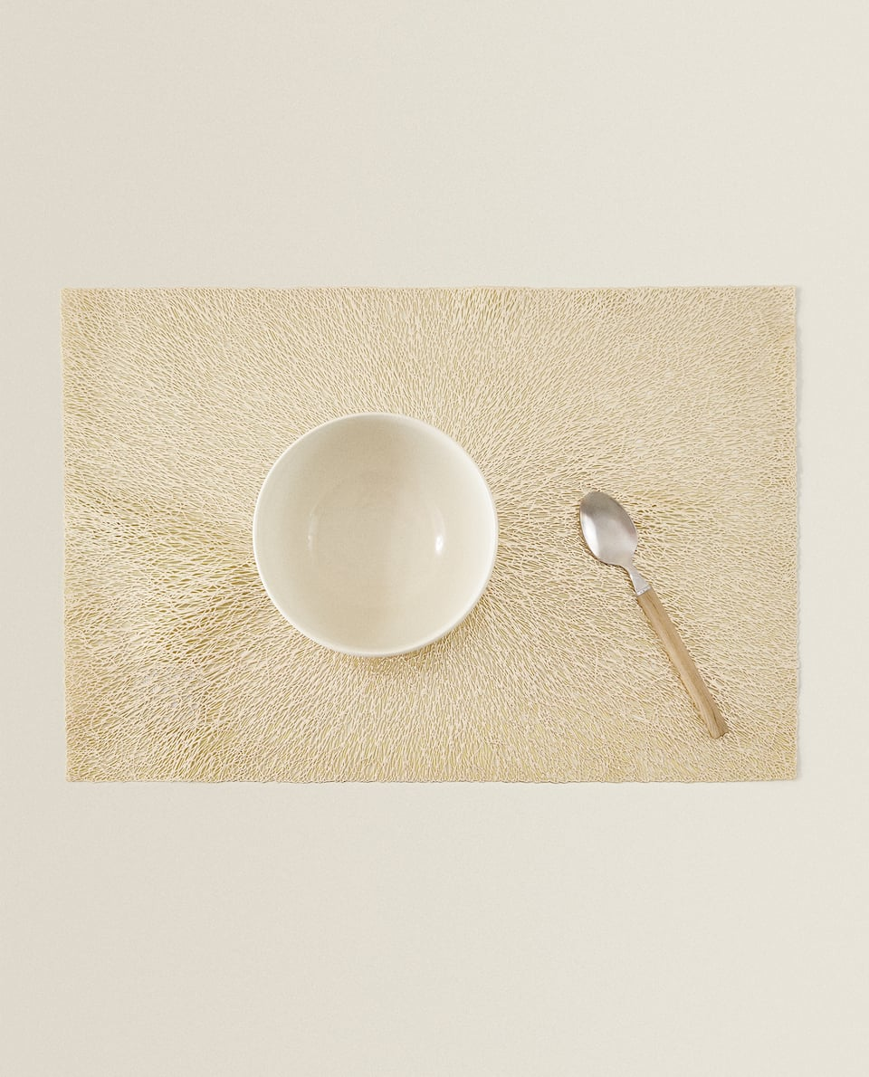 RESIN THREAD PLACEMAT