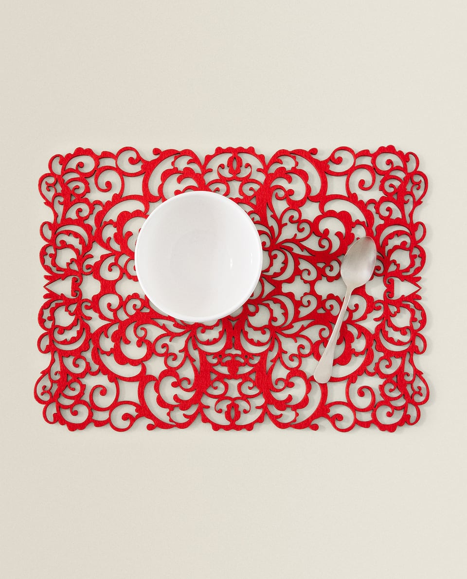 RED FELT PLACEMAT