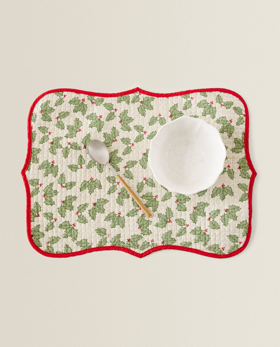 HOLLY PRINT COTTON PLACEMAT
