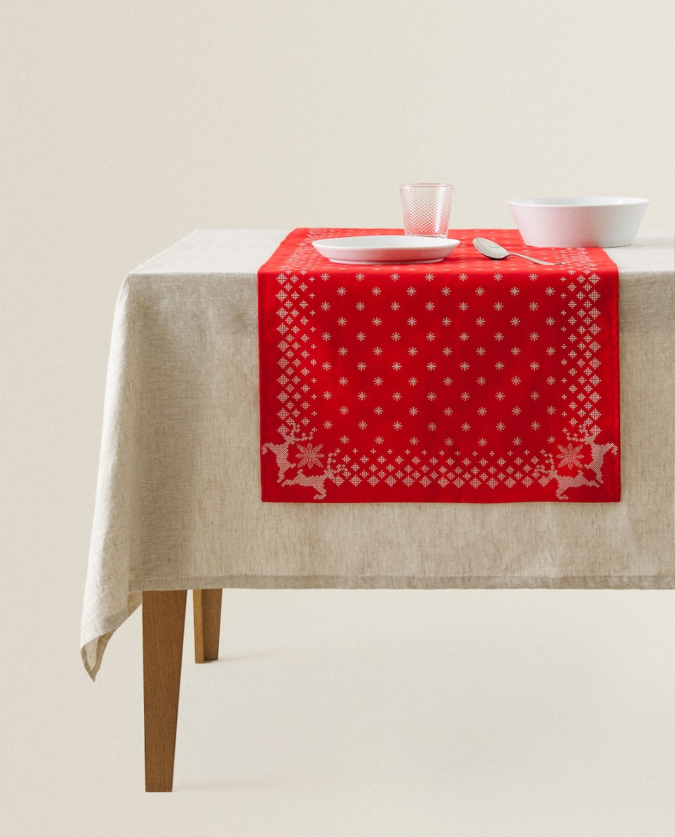REINDEER COTTON TABLE RUNNER