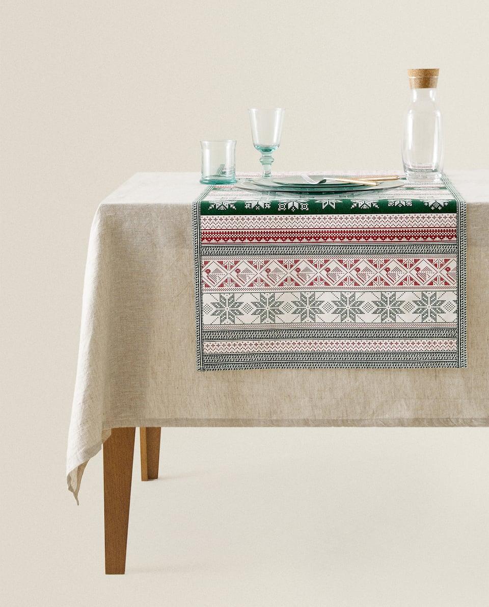 غطاء طاولة ضيق مع طبعة ندفة الثلج