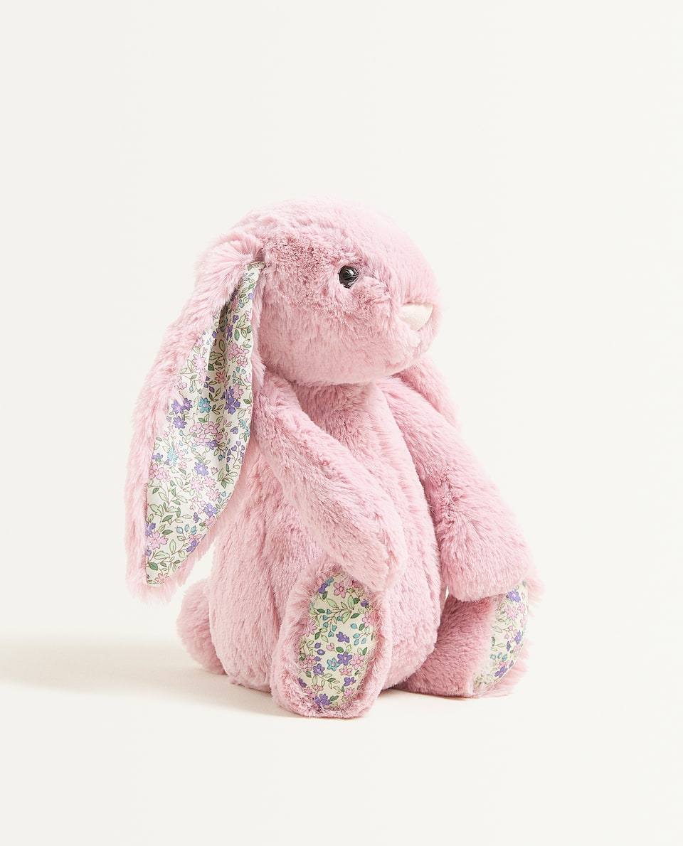دمية الأرنب اللينة