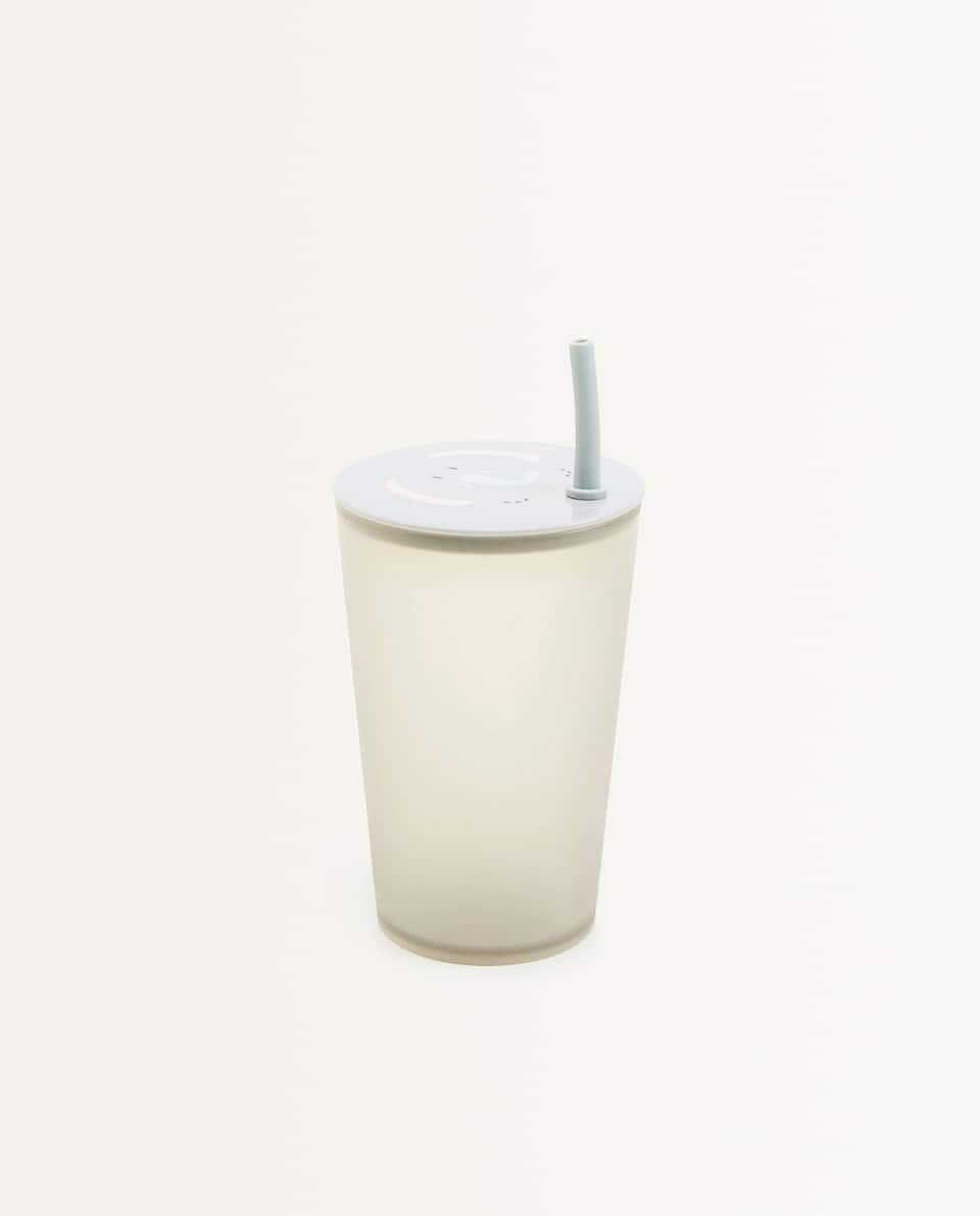 ELEPHANT CUP WITH LID AND STRAW