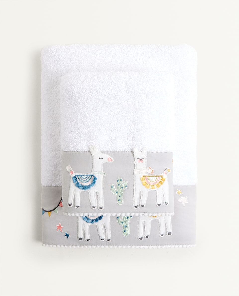 TOWEL WITH LLAMA EMBROIDERY