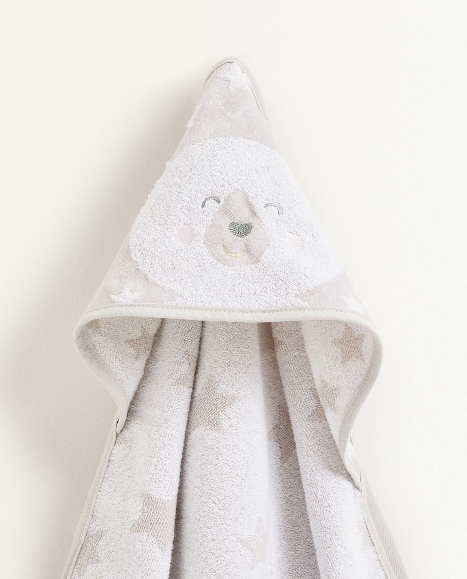BEAR AND STAR PATTERN HOODED TOWEL