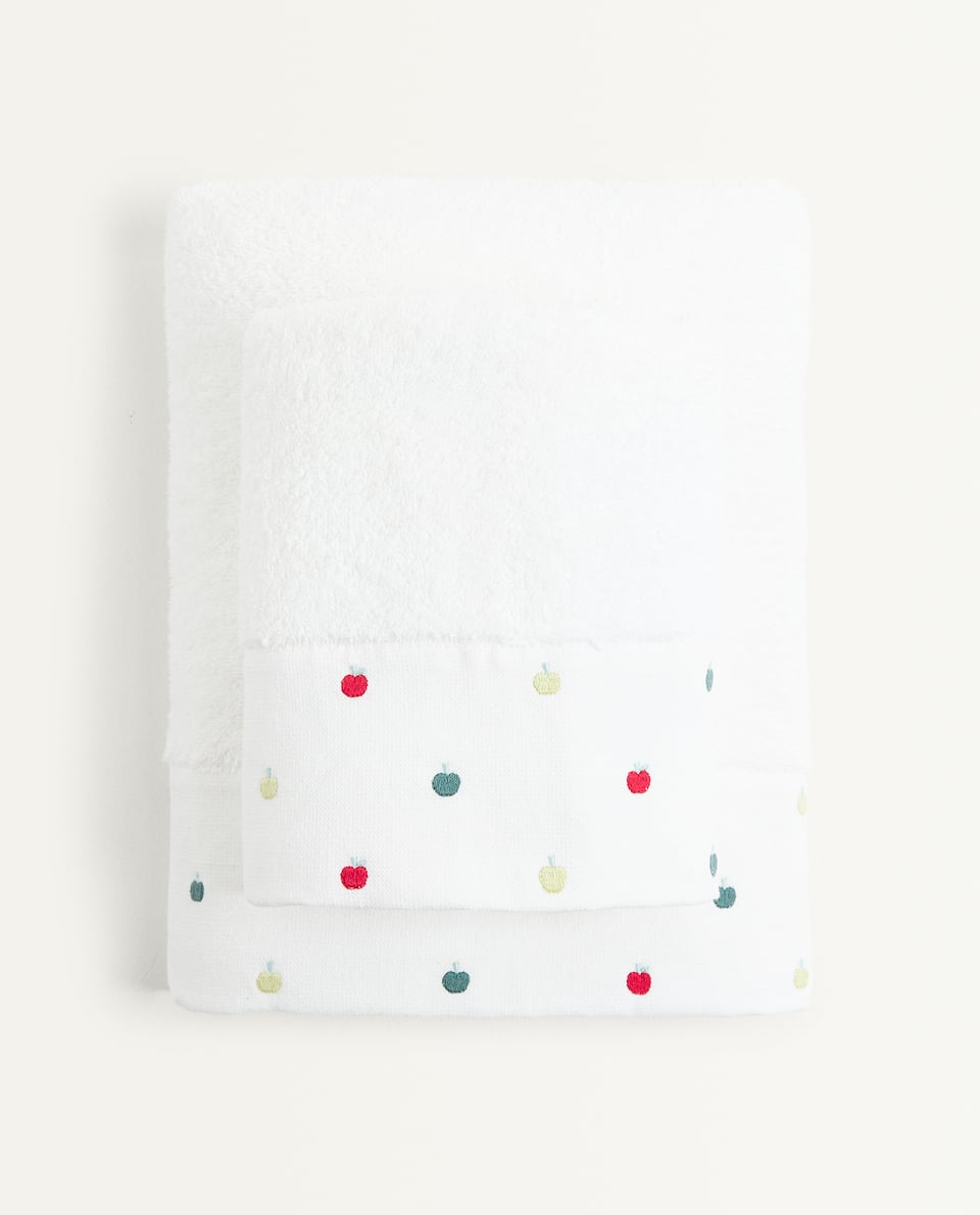 EMBROIDERED APPLES TOWEL
