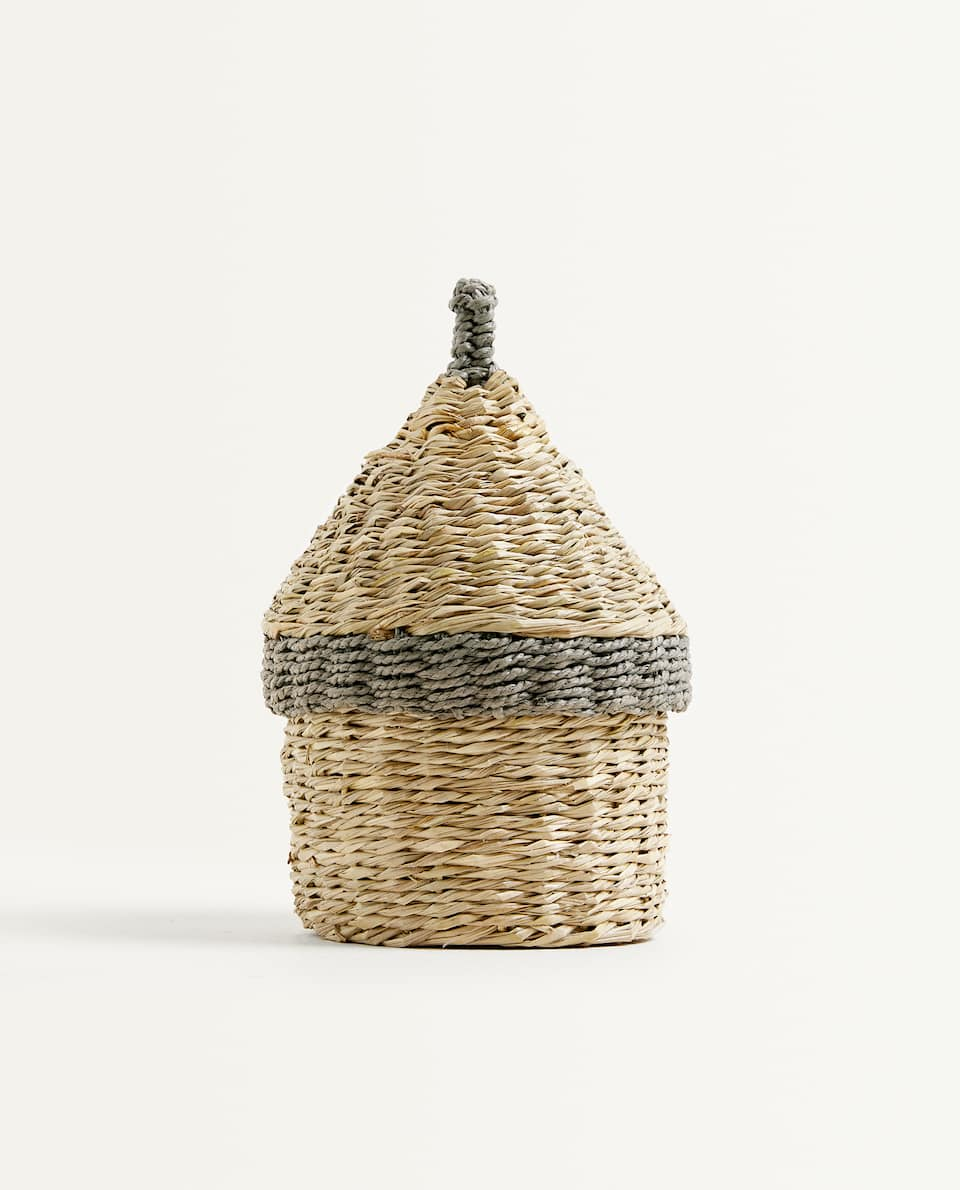 LITTLE HOUSE-SHAPED BASKET