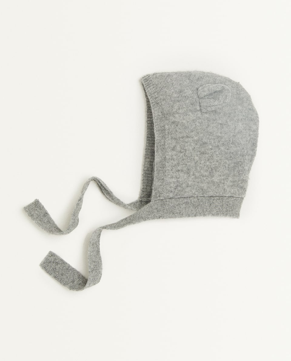 CASHMERE HAT WITH EARS