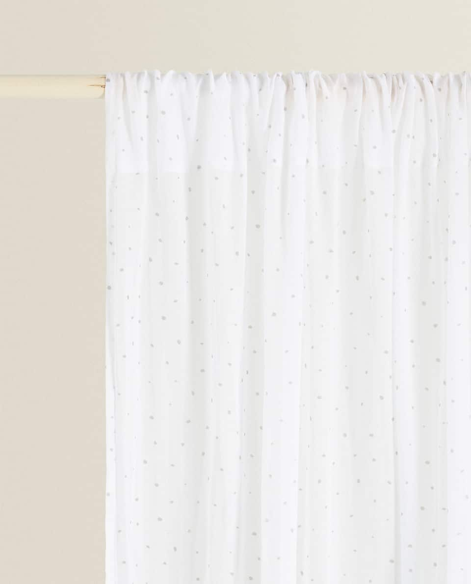 DOTTED CURTAIN