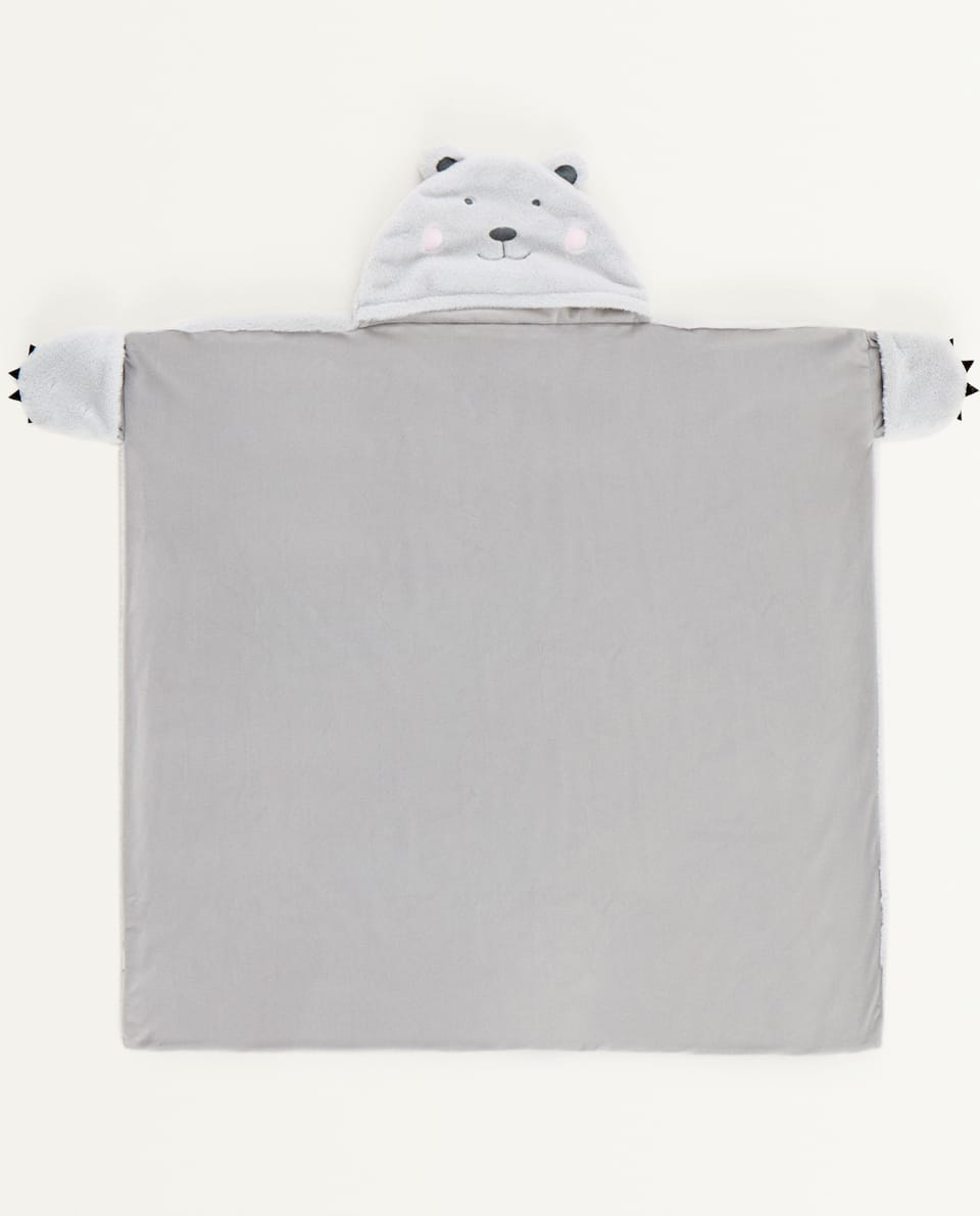 BEAR BLANKET WITH HOOD