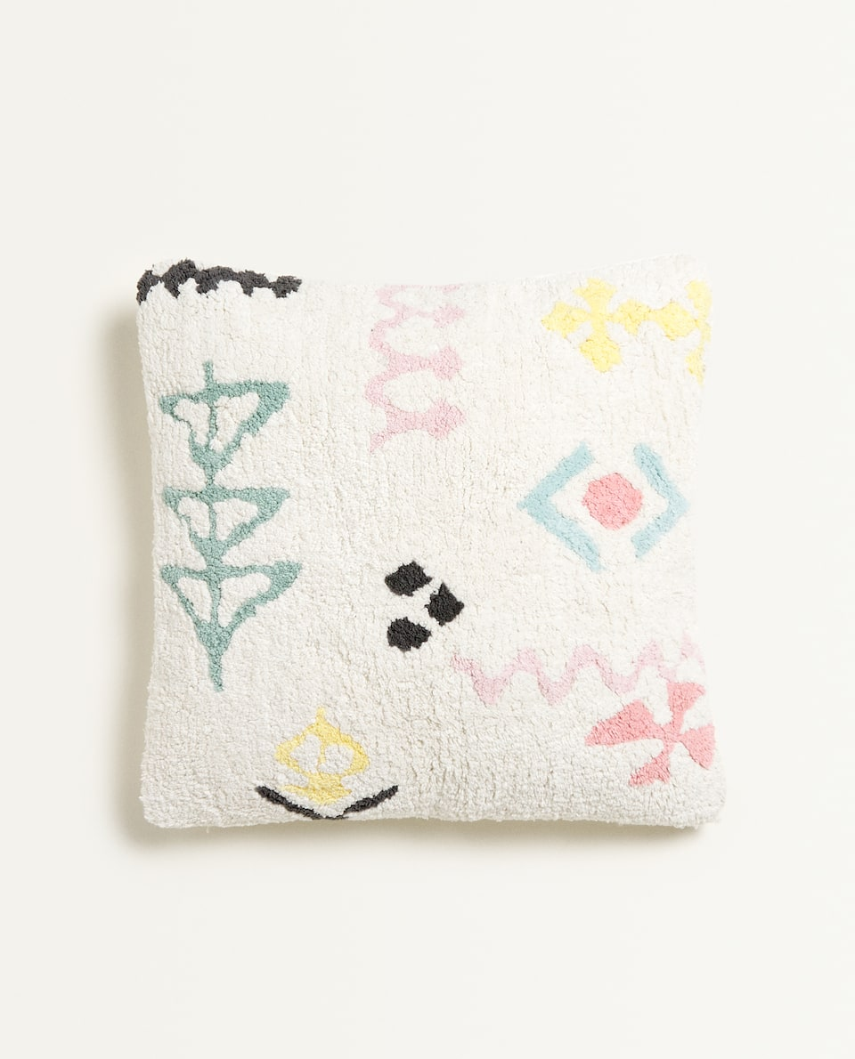 CUSHION COVER WITH SHAPES